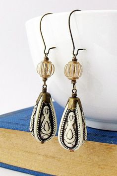 Black and White Teardrop Earring Boho Vintage