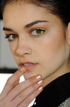 Gold eyes, gold nails