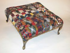 necktie footstool, picture only