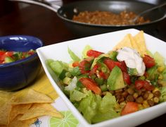 A Globe Trotter's Fare: Meatless Monday: Lentil Taco Salad