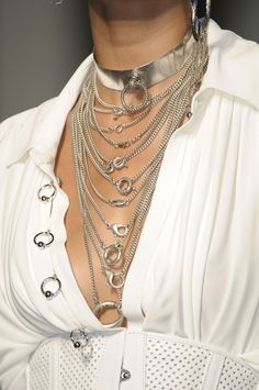 jewelry details   Keep the Glamour   BeStayBeautiful