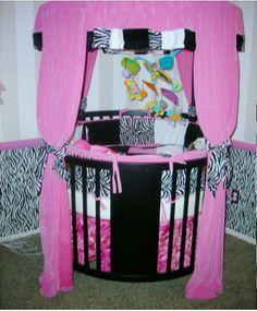 zebra print with hot pink do black trim baby beds, baby prints, hot pink, babi room, babi girl, black trim, zebra print, baby cribs, babies rooms