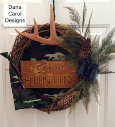 Gone Huntin' Wreath/Wall Decor