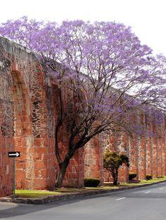 Acueducto en Queretaro, Mexico