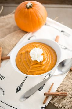 Easy Pumpkin Pudding | chocolateandcarrots.com #fall #autumn