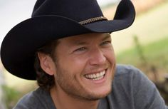"""""""You be my sugar baby, I'll be your sweet iced tea. You be my honeysuckle, I'll be your honey bee"""" - Blake Shelton <3"""