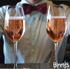 Confessions of a {Festive} Mixologist: Kir Royale #DIY #Cocktails #NYE #Champagne #Chambord