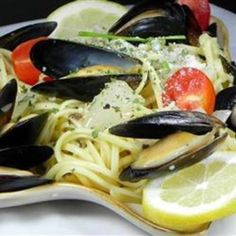 Latin American Food Recipes – Mussels Mariniere with linguini