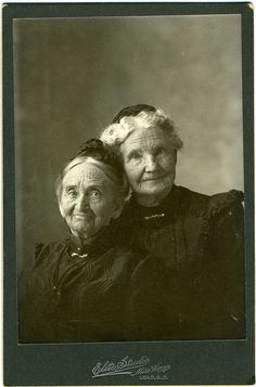 :::::::::::: Antique Photograph ::::::::::::  I adore these two!  Oh, the stories they could tell.