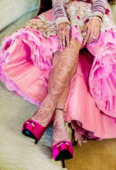 mehndi, henna art, bride maids, henna designs, indian weddings, fashion styles, henna tattoos, bridal parties, bridal shoes