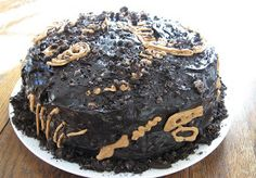 Almost Unschoolers: Easy Dinosaur Fossil Cake. Z would flip out! Making this together would be art, fine motor skills, math, history and home ec. Plus you eat it, which is also very good...lol. I <3 homeschooling!
