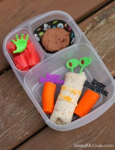 Lunch Made Easy: Happy Halloween!    packed in an @EasyLunchboxes container