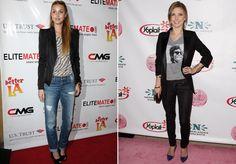 yup! jeans, blazer, t-shirt, heels!