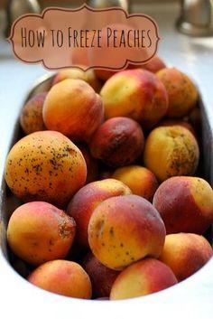 How to Freeze Peaches- yum! View on BargainBriana.com