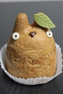 Bahaha, Totoro Cream Puffs! I don't know why I get so excited about foods that look like Totoro, but I do.
