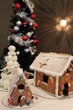Are you hosting a Christmas Party? The perfect table decoration to WOW guests is a Gingerbread House from Belle Epoque Patisserie! #Christmas #Party #emporiumhotel #brisbane #delicious #gingerbread #treats
