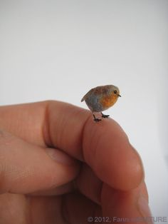 dollhouse miniature bird - Robin in 1:12 scale OOAK