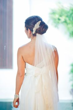 Simple bridal up style perfect for beach wedding // Karen Buckle Photography