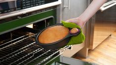 Nibble non-stick cake pan with tasting cup!
