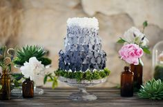 blue and gray wedding cake, ombre, bees, weddings, colors