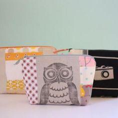 diy make up bag from scrap material.  http://homemade.tipjunkie.com/scrap-fabric-cosmetics-bag-tutorial/