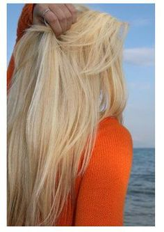 Looking for this beautiful light blonde hair color? Aloxxi Hair Color can make it happen beautifully.