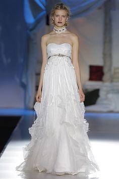 Vestidos de novia de Inmaculada García 2014 #vestidos #novias