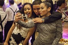 See the top selfie moments from the 2014 #prom season