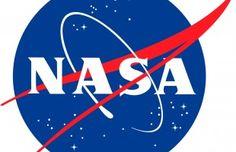 El diseño en general es un elemento muy importante en la carrera espacial, pero no sólo el diseño aeronáutico de cohetes, transbordadores espaciales, trajes de astronauta, etc. también el diseño gráfico ha tenido un papel destacado en la historia de la conquista espacial.