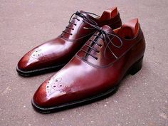 Anthony Delos a bespoke boot and shoemaker from France. Since 2012 is the shoemaker Master in Berluti.