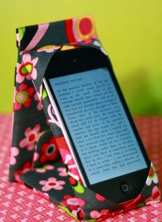 Quality Sewing Tutorials: iPod Touch/iPhone Case/Stand tutorial by Made by Marzipan