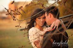 fayetteville arkansas engagement portrait photo - Benfield Photography - Nicole and Aaron