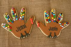 Handprint cookies - cute place setting for turkey dinner! #turkey #handprint #cookie