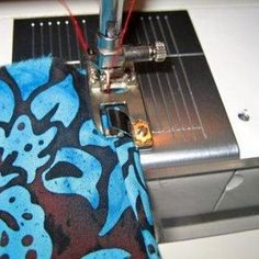 "special sewing ""feet"" tutorials"
