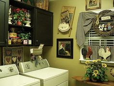 love my laundry room...  http://picketsplace.blogspot.com