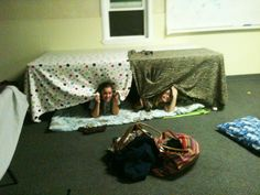 Sissy♥ and awesome forts!!