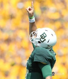 #Baylor quarterback Bryce Petty acknowledges the One who's really in charge. #SicEm