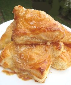 Pastelitos de Guayaba y Queso (Guava and Cheese Pastries)