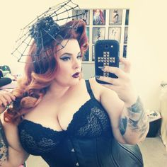 Tess Munster is my favorite model. Plus size or otherwise! Debi L.
