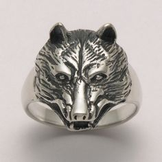 Wolf Head Ring at theBIGzoo.com, an animal-themed superstore.