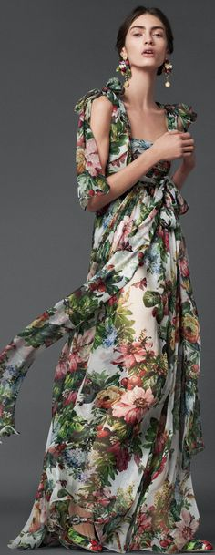 floral prints, style, dresses, fashion editorials, gown, fashion photography, flowers, floral dress, dolc gabbana