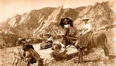 Four Women Posed in front of the Flatirons - (1905) REPRODUCTIONS