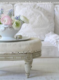 pastels, interior, coffee tables, white living, shabby chic