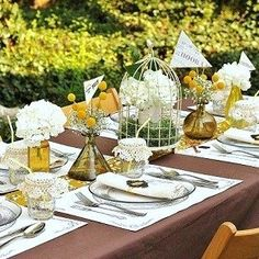 Anthropologie style #graduationparty #gradpartyideas #tablesetting