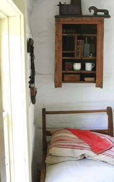 pillowcas, peac bed, guest bed, shelv, bedroom