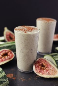 Enjoy the last of the summer with this incredible creamy, rich spiced Zucchini Fig Smoothie // Tasty Yummies