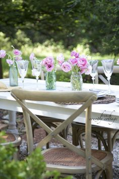 A beautiful outdoor dining inspiration