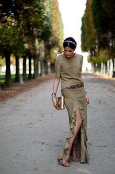 Saia, blusa e cinto – Lilly Sarti