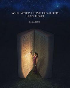 No me he apartado de los mandamientos de sus labios; en lo más profundo de mi ser he atesorado las palabras de su boca. JOB 23:12 #Dios #palabras #vida #amor #Biblia