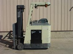 2005 #Crown RC3020-30 #usedforklifts for Sale - Capacity: 3,000 - Mast: 83 / 190 TSU  - W/36V BATTERY, S/S #materialhandling